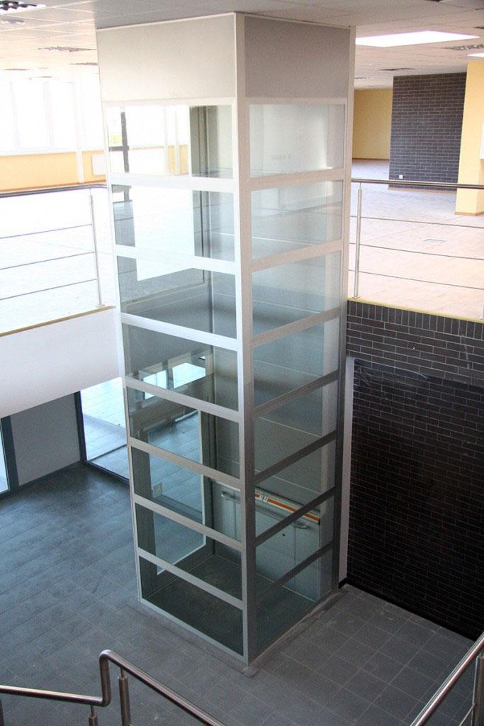 ascenseurs privatifs pmr hauteur sup rieur 3 m tres pour personnes handicap s ou. Black Bedroom Furniture Sets. Home Design Ideas