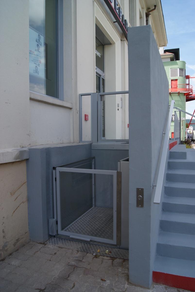 el vateurs et ascenseurs pmr hauteur inf rieure 3 metres pour personnes handicap s ou. Black Bedroom Furniture Sets. Home Design Ideas